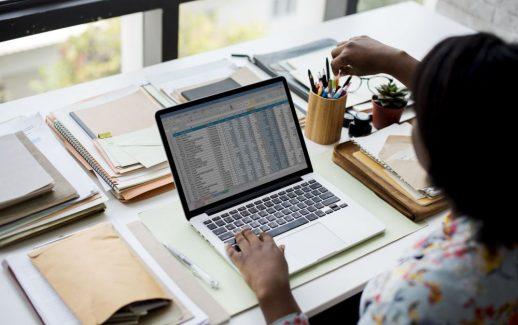 Como fazer o controle de contas a pagar e receber da empresa?